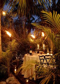 A #romantic #dinner for two at Viceroy Zihuatanejo – tiki torches optional