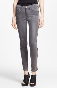 Free shipping and returns on Frame Denim 'Le Skinny' Zip Detail Jeans (Thacher) at Nordstrom.com. Gleaming side zippers trace the skinny silhouette of these London-inspired, L.A.-made jeans. The innovative stretch-denim offers a comfortable and super-flattering fit.