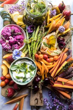 I& back with the all the summertime snacks! The post Farmers Market Pickled Crudité Platter. appeared first on Half Baked Harvest. Lunch Recipes, Appetizer Recipes, Salad Recipes, Appetizers, Healthy Recipes, Muffin Recipes, Clean Eating, Healthy Eating, Healthy Food
