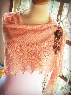 Ravelry: Project Gallery for Ishbel pattern by Ysolda Teague Knit Patterns, Ravelry, Knit Crochet, Lace Shawls, Crop Tops, Beads, Knitting, My Style, Brooches