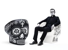 On the occasion of El Día de Los Muertos, the lively Mexican celebration honouring the dead, Gufram presents a special limited edition of the skull-shaped Jolly Roger armchair designed by Fabio Novembre in new colours Calavera White and Calavera Black. The armchairs are hand-painted with the traditional graphics used to decorate the skulls for this famous festivity reinterpreted in a contemporary way by Fabio himself. Gufram Italian radical design…