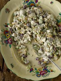 Trisha Yearwood's Chicken Poppy Seed Salad Recipe - It's Yummy!