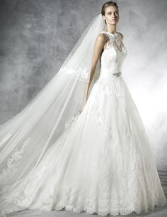 PRONOVIAS PRELINDA WEDDING GOWN