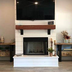 I really like this impressive photo Build A Fireplace, Fireplace Bookshelves, Shiplap Fireplace, Farmhouse Fireplace, Home Fireplace, Fireplace Remodel, Fireplace Design, Fireplace Ideas, Fireplaces