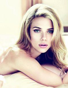 Scarlett Johansson Tes yeux..... Je fonds ! :-)