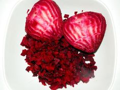 Beetroot is the new superfood. Drinking the juice is really good for your health, as it is packed with nutrients and vitamins. The greens are highly nutritious as well. Learn more about this healthful vegetable! Healthy Juices, Healthy Drinks, Healthy Recipes, Beetroot Benefits, Red Vegetables, Juicer Recipes, Juicing For Health, Vegetable Dishes, Recipes