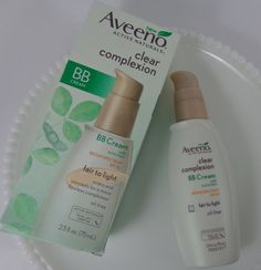 Review with Before and After Photos: Aveeno Clear Complexion BB Cream |