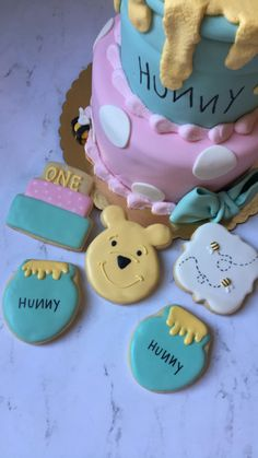 Winnie the Pooh cake and cookies