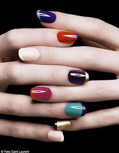 Nail trends: Two Colors French Manicure