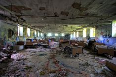"""Hospital: Psychiatric Ward of Kings Park Psychiatric Centre in New York, which operated from 1885 until 1996 Part of the """"Ghostscrapers"""" of America photos"""