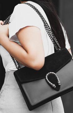 Shop the look- Italian Leather Handbag (dupe for Gucci's $1,350 Dionysus bag): €79.95 - get the bag at www.theballeronabudget.com