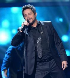 Alejandro Sanz at the XIII Annual Latin GRAMMY Awards | LatinGRAMMY.com