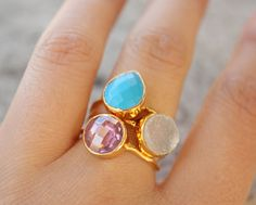 3 gold stacking rings on Etsy by OhKuol. So Springy & happy.
