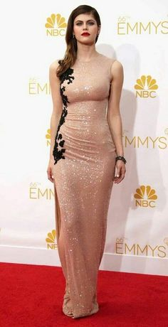 Pin Image by Bunda Hijaber Hollywood Celebrities, Hollywood Actresses, Beauty Full Girl, Beauty Women, Beautiful Celebrities, Beautiful Actresses, Percy Jackson, Alexandra Daddario Images, Looks Pinterest