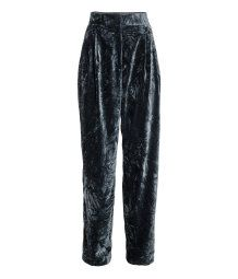 Wide velvet trousers: Wide, high-waisted, pleat-front trousers in crushed velvet with a zip fly, hook-and-eye fastener and side pockets. Blue Trousers, Wide Leg Trousers, High Rise Pants, Tumblr Outfits, Velvet Pants, College Outfits, Capsule Wardrobe, Love Fashion, Leather Pants
