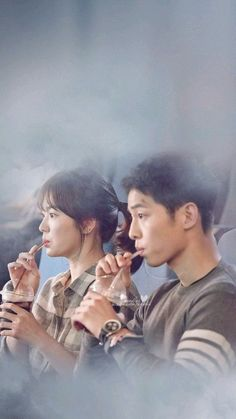 Song Joong-ki as Yoo Shi-jin Song Hye-kyo as Kang Mo-yeon Descendants of the sun Drama Film, Drama Movies, Korean Celebrities, Korean Actors, Celebs, Descendants Of The Sun Wallpaper, Song Hye Kyo Descendants Of The Sun, Desendents Of The Sun, Soon Joong Ki