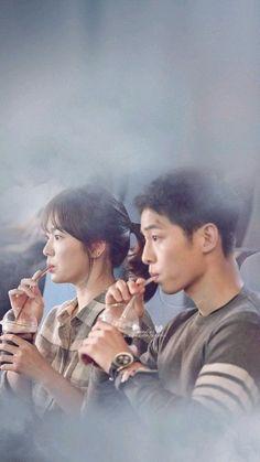 Song Joong-ki as Yoo Shi-jin Song Hye-kyo as Kang Mo-yeon Descendants of the sun Drama Film, Drama Series, Korean Celebrities, Korean Actors, Celebs, Soon Joong Ki, Decendants Of The Sun, Sun Song, Songsong Couple