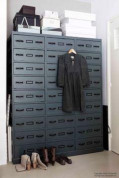 dark blue barefootstyling.com