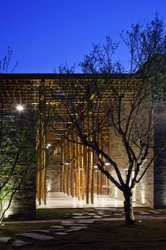 """Vo Trong Nghia's Son La Restaurant hides a """"bamboo forest"""""""