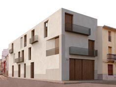 minimalist architecture in japan Architecture Résidentielle, Minimalist Architecture, Facade Design, House Design, Exterior Tradicional, Patio Grande, Social Housing, Facade House, Building A House