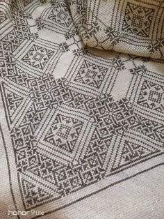 Quilts, Blanket, Crochet, Dots, Quilt Sets, Crochet Crop Top, Quilt, Rug, Log Cabin Quilts