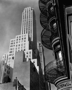 Berenice Abbott: Murray Hill Hotel, 112 Park Avenue, Manhattan, Courtesy Howard Greenberg Gallery, New York. Berenice Abbott, Man Ray, Diane Arbus, Alfred Stieglitz, Urban Photography, Street Photography, Cityscape Photography, Photography Ideas, Edward Steichen