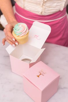 Cotton Candy Cupcakes // Photo by Taya Photography