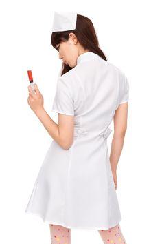 夢眠ねむ Yumemi Nemu - Dempagumi.inc / でんぱ組.inc - Tokimeki Graffiti - トキメキグラフティ | コスプレ★「ナースグラフィティ」★コスプレ衣装だよ!- Nurse cosplay, polka dot hose, red high heels.