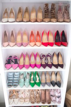 Prioritize Your Work-Appropriate Footwear - Organize office-friendly shoes in one area of your closet so you aren't climbing over piles of date-night stilettos to find them. Shoe Wardrobe, Shoe Closet, Closet Turned Office, Glitter Bedroom, Glam Closet, Shoe Wall, Rainbow Shoes, Beautiful Outfits, Designer Shoes