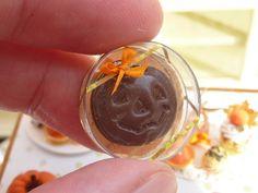 Chocolate Jack O Lantern Halloween / Fall / por ParisMiniatures