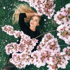Iphone by Ivan Gorokhov - Photo 149764759 - Fashion Photography Poses, Spring Photography, Photography Backdrops, Portrait Photography, Photography Ideas, Cherry Blossom Pictures, Foto Fantasy, Spring Pictures, Beautiful Pictures