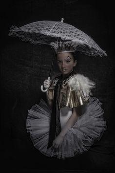 #cirque #circus #vintage #kids #enfants #clown #maquillage #coiffure #mode #pierro