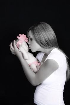 Baby photo idea. Like the pop of color on baby as gender reveal.