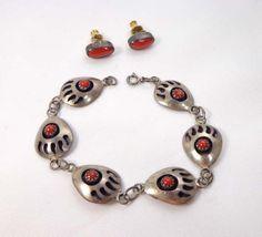 Bear Paw Claw Bracelet Earrings by Virginia by JellyBellyJewels