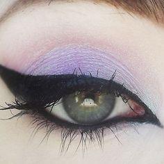 Angel Dust eye shadow by Concrete Minerals Pink-lavender w/ bright aquamarine shift Makeup Tips, Beauty Makeup, Eye Makeup, Makeup Ideas, Makeup Tutorials, Makeup Inspo, Beauty Tips, Basic Makeup, Dark Makeup