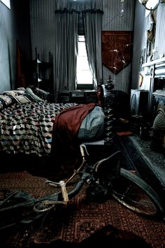 eve-of-small-gods:    Sirius Black's bedroom