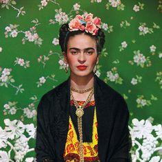 Frida Kahlo. Unpublished Photographs and Letters, München 2005 (ISBN 3-8296-0121-2).