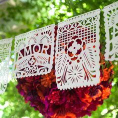 This two part design featuring Amor and a flower design are perfect to add a festive look to your fiesta, wedding or summer party.