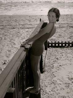 Maureen O'Sullivan on Malibu Beach, 1934 Vintage Hollywood, Classic Hollywood, Hollywood Beach, Maureen O'sullivan, Mia Farrow, Malibu Beaches, Hollywood Celebrities, Hollywood Actresses, Bathing Beauties