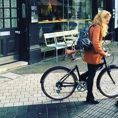 LDN X  =   Happy Easter!  #London #Foffa #cycling #DutchBike Dutch Bike, Urban Bike, Happy Easter, Cycling, Bicycle, London, Instagram Posts, Happy Easter Day, Dutch Bicycle