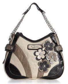 Guess handbag .♥..¸¸.•♥•