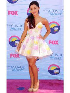 Ariana Grande love her dress