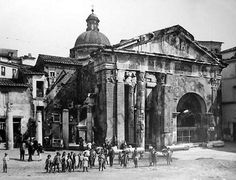 Remains of the pediment of the Portico d'Ottavia, photographed about 1880 Old Pictures, Old Photos, Best Cities In Europe, Italy History, Roman Architecture, War Photography, Vintage Italy, Ancient Rome, Roman Empire