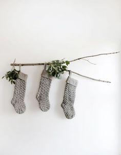 DIY Branch Stocking Display #themerrythought