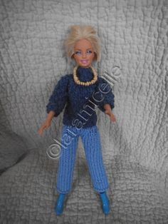 tutoria gratuita barbie: gola de camisola de inverno - The world's most private search engine Patron Crochet, Knit Crochet, Knitting Patterns Free, Free Knitting, Habit Barbie, Crochet Barbie Clothes, Ken Doll, Barbie And Ken, Doll Patterns