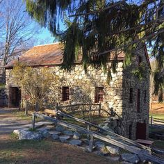 The Grist Mill, in Sudbury, MA awaits those who would like to take a tour. #gristmill #sudbury #historicalplace #historical #newenglandfineliving #fieldstone #stonebuilding #newengland #mill