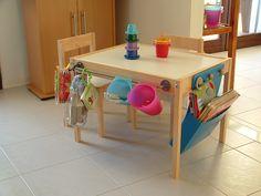 Mal- und Basteltisch: Wir lieben den Look dieses Tisches mit den vielen praktischem Boxen und Fächern. Mit Tafelfolie oben drauf wäre es perfekt!