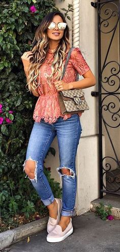 pretty cool casual style outfit: top + rips + bag