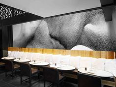 In the re-design of the Japanese restaurant Kinugawa in Paris was assigned to the interior designers Patrick Gilles and Dorothée Boissier. Design Bar Restaurant, Restaurant Concept, Cafe Restaurant, Restaurant Interiors, Cafe Bar, Bespoke Furniture, Design Furniture, Restaurant Pictures, Bar Design Awards