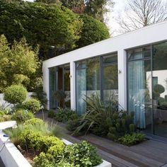 New-modernist garden